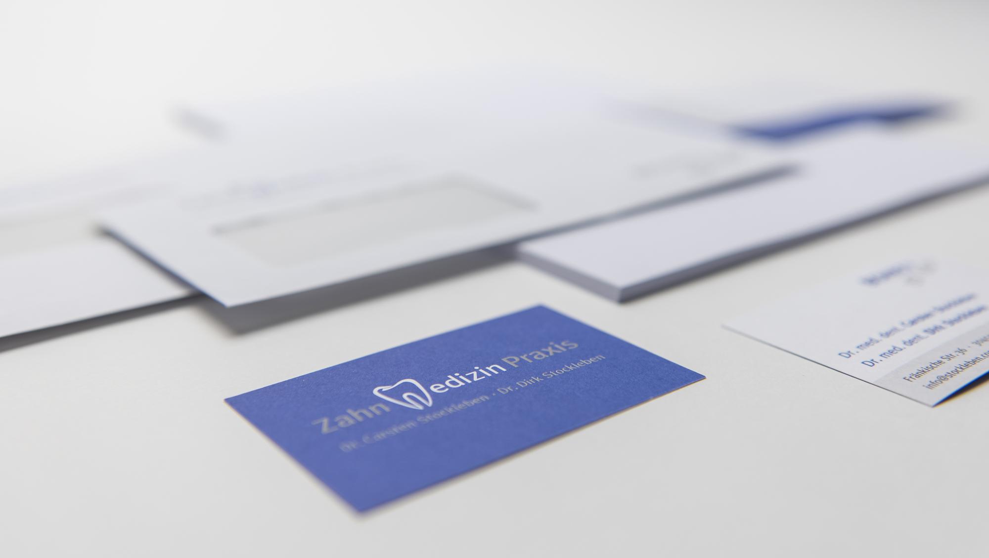 Praxisdrucksachen im eigenen Corporate Design